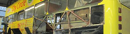 Restaurierung eines Doppeldecker-Busses)