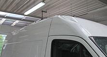Ein Fall für den Karosseriebau der heller Lackiererei GmbH: VW Crafter mit Unfallschaden