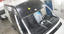 Mittels Punktschweißen und Kleben  wurden die beschädigten Fahrzeugteile ersetzt