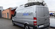 Dank heller Karosseriebau und Lackierung schon bald wieder live auf Sendung: der fertiggestellte TV-Übertragungswagen.