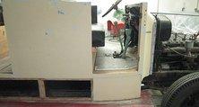 Holz- und Metallteile des Löschfahrzeugs mussten komplett maschinell entlackt werden.