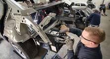 Karosserie- und Unfallinstandsetzung im Karosseriewerk der heller Lackiererei GmbH