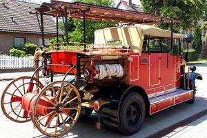 Der neue Stolz der Gemeinde Zeuthen: Das komplett restaurierte Löschfahrzeug fertig zur Ausfahrt
