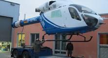 Der Helikopter vom Typ MD 902 nach seiner Komplettlackierung bei heller nahe Berlin