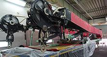 Eine 25 t schwere Y-Abspannung des weltgrößten Mobilkrans vor Lackierung im Lackierwerk heller in Niederlehme/Berlin-Brandenburg
